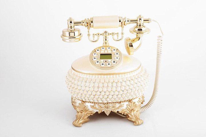 تلفن سلطنتی 410AF